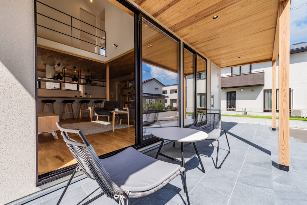 カフェテラスのある家/注文住宅施工事例